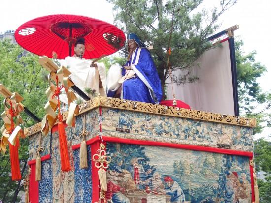 【白楽天山】左の白楽天(詩人)が右の道林禅師に仏法の大意を問う場面だそう。ご利益は学問成就。